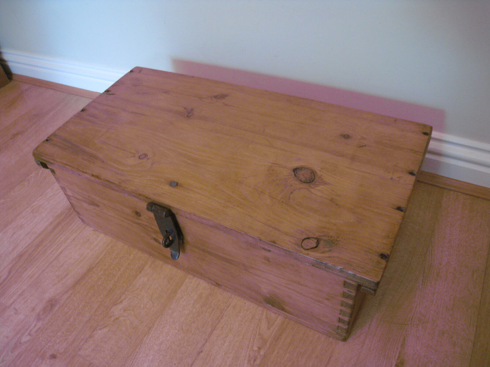 Lovely old Pine Chest with Clasp/Dovetail Joints Great Condition
