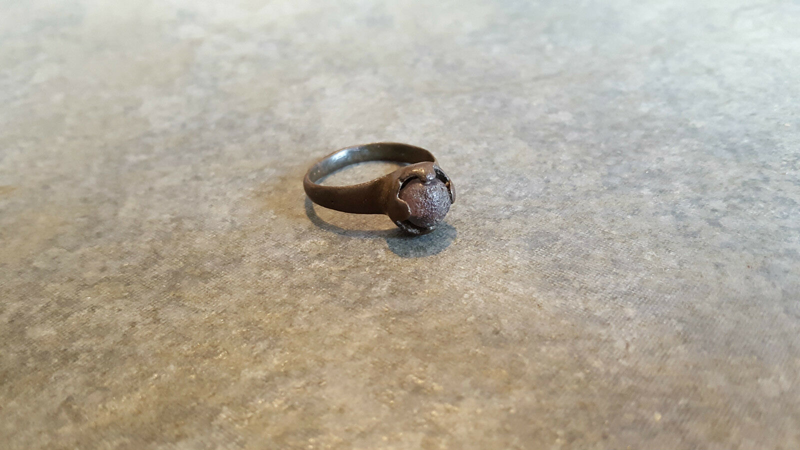 Ancient Roman Bronze RING (#19) Intact Coloured Stone, 18 mm, Wearable