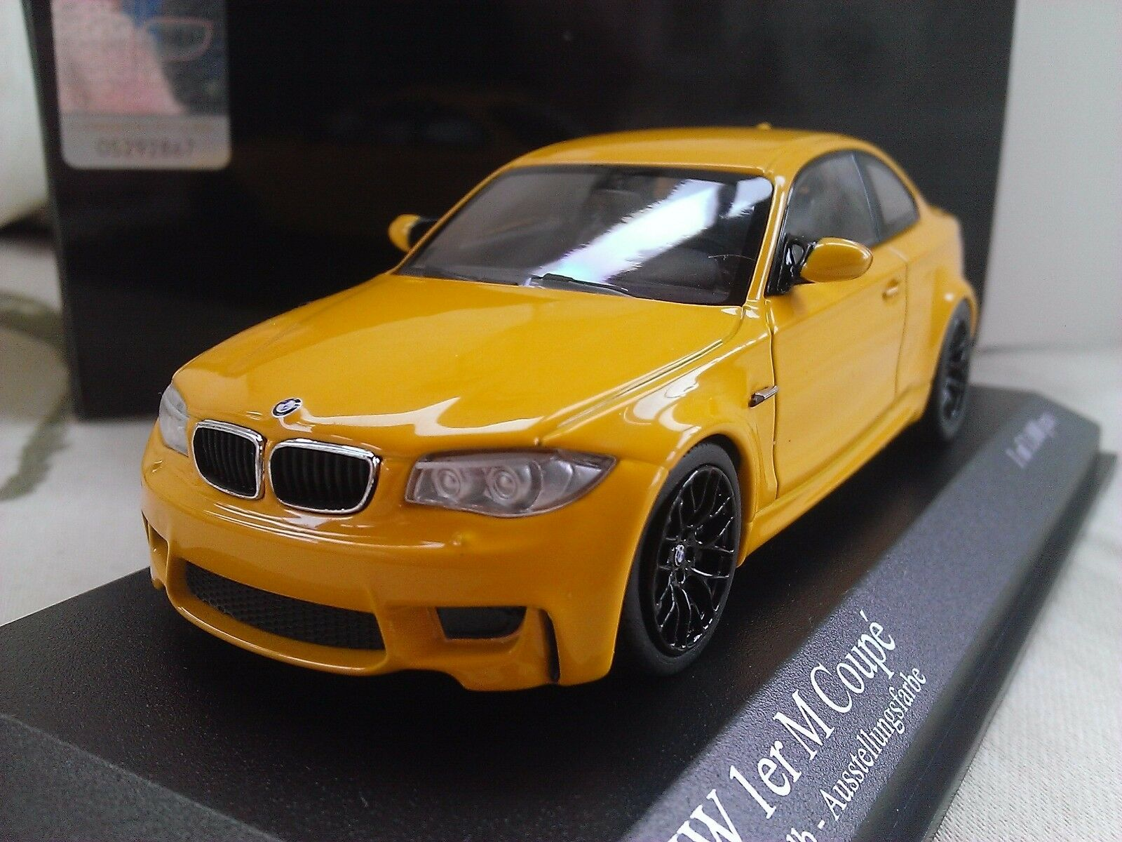 2011 bmw 1er series m coupe yellow diecast model car 1 43 minichamps picclick uk. Black Bedroom Furniture Sets. Home Design Ideas