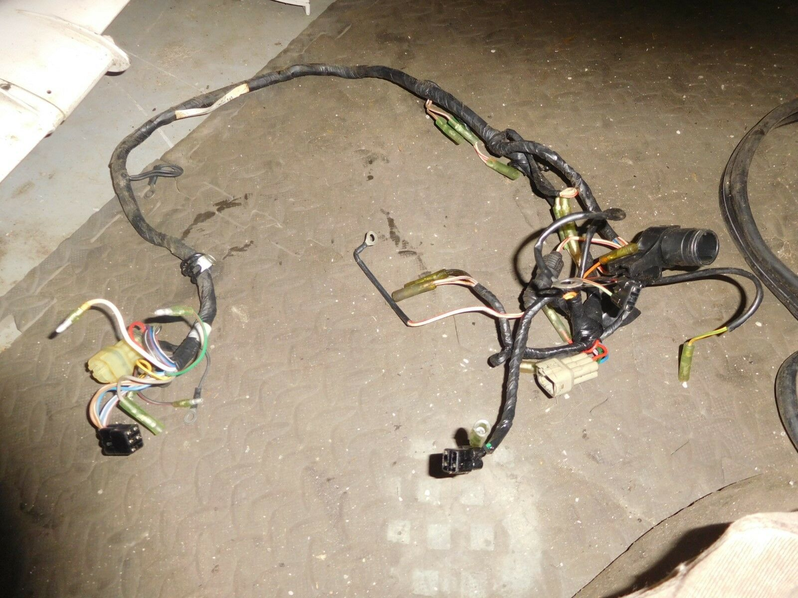 1995 Suzuki Dt75 Outboard 07501 581237 Engine Wiring Harness 96610 New 6 Pin 1 Of 3only Available