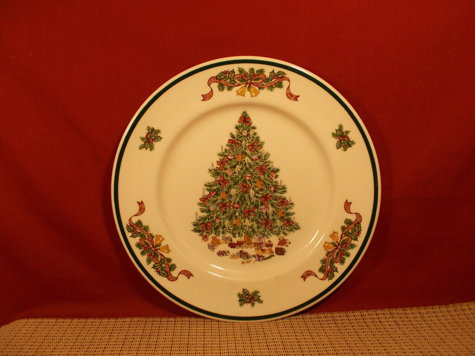 JOHNSON BROTHERS CHINA Victorian Christmas Dinner Plate 10 1/4 ...
