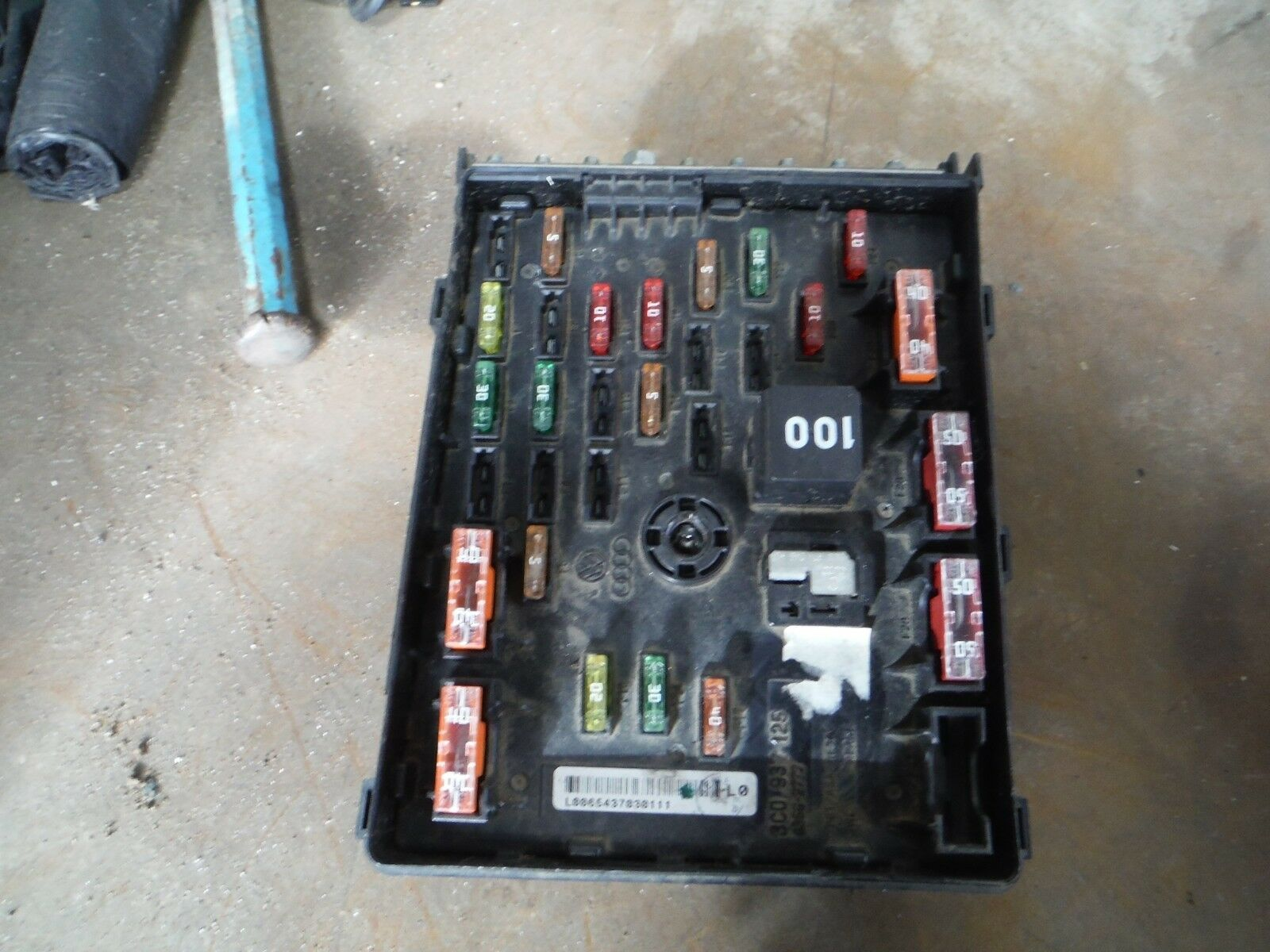 2012 Vw Passat B7 16 Tdi Fuse Box 3c0 937 1252010 2014 2000 1 Of 2only Available