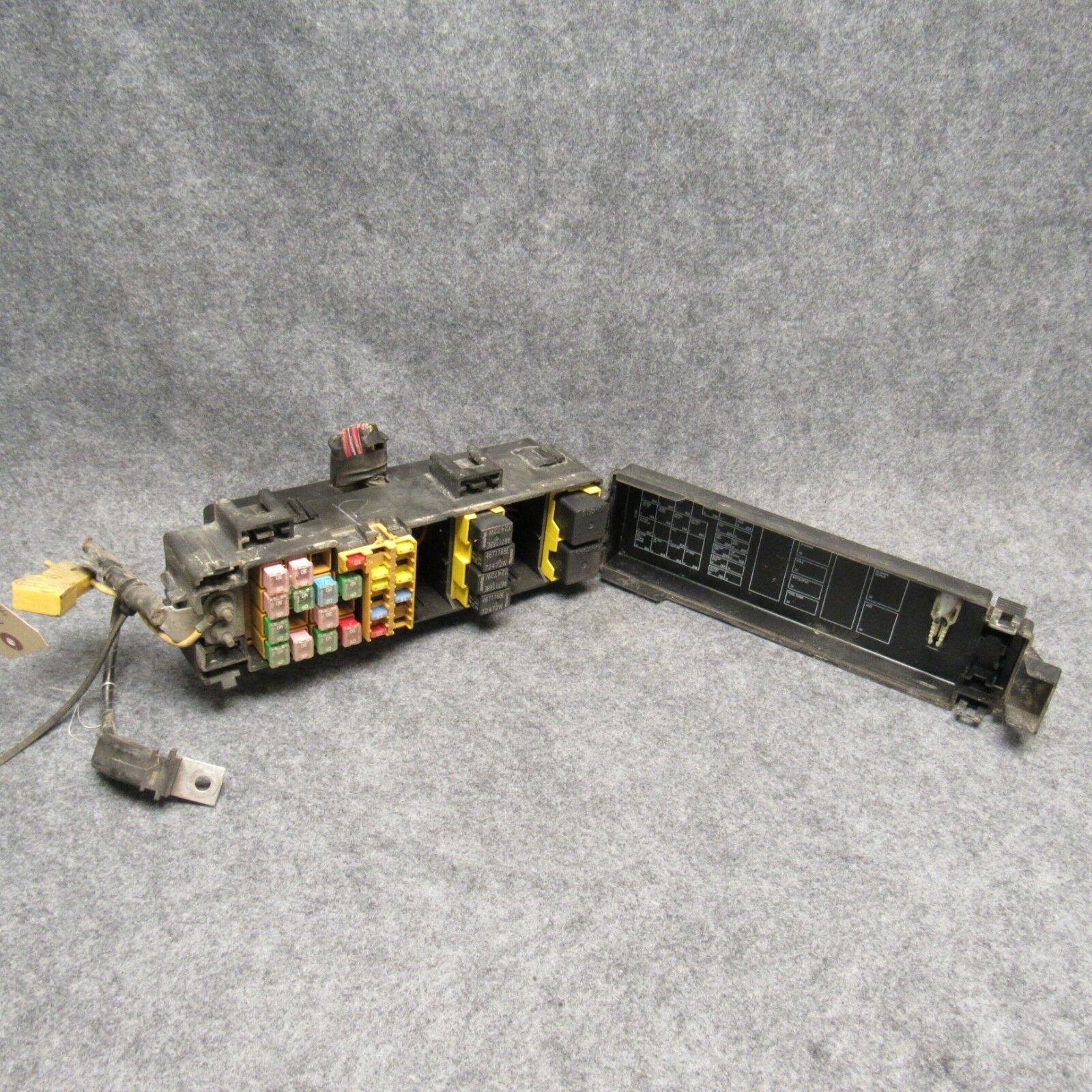 2005 Dodge Durango 47 Underhood Main Fuse Box Relay Center Oem 1 Of 1only Available