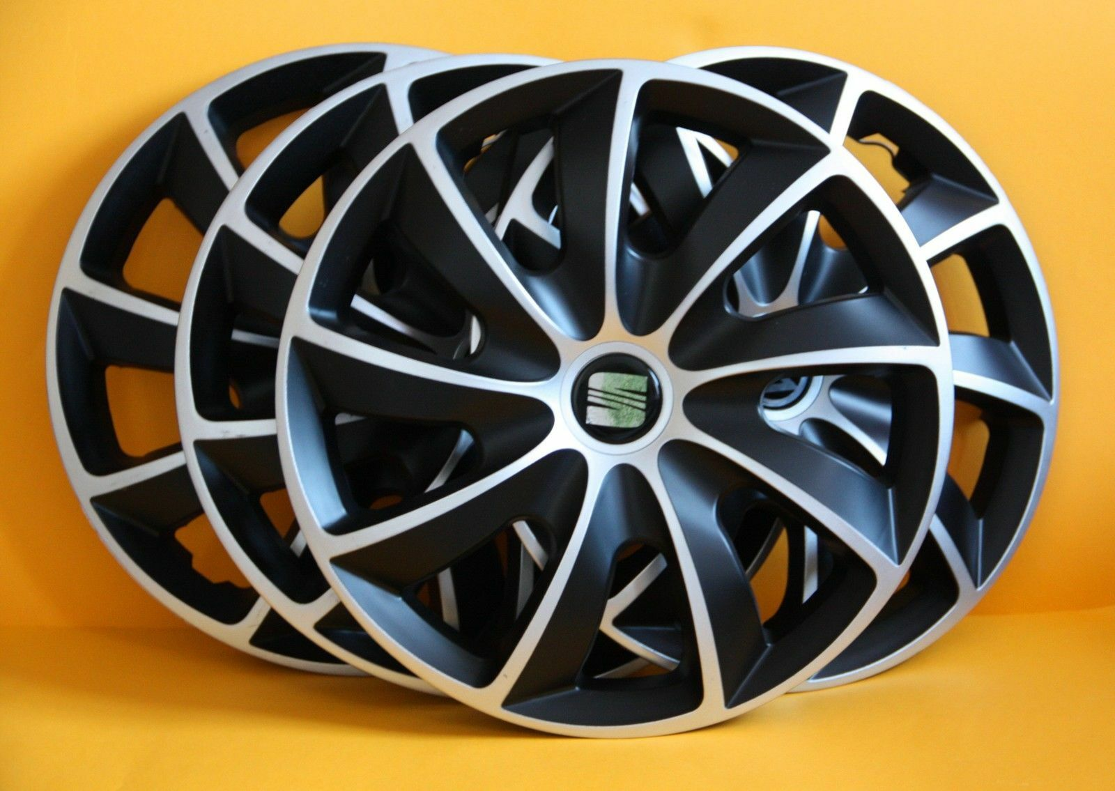 Seat IbizaToledoAltea XLLeon15 WHEEL TRIMS COVERS