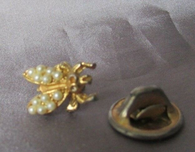 Bee With Faux Pearl Gold Tone Lapel Pin 1/4 X 1/2