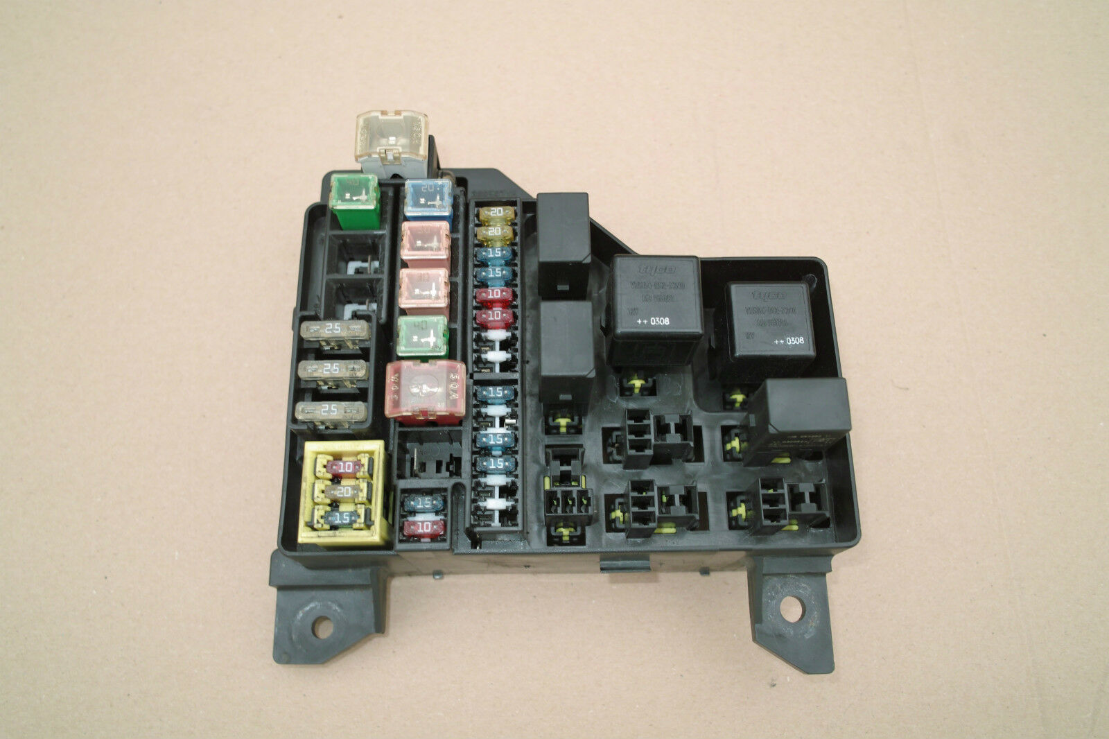 Genuine Volvo S40 V40 1996 2004 Under Bonnet Fuse Box 30859714 7254 1 Of 1only 2 Available