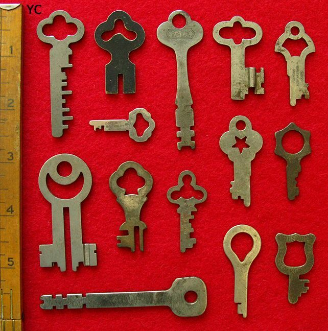 Rare Odd & Unusual GENUINE Antique Vintage Old Skeleton Padlock Keys Lot Set