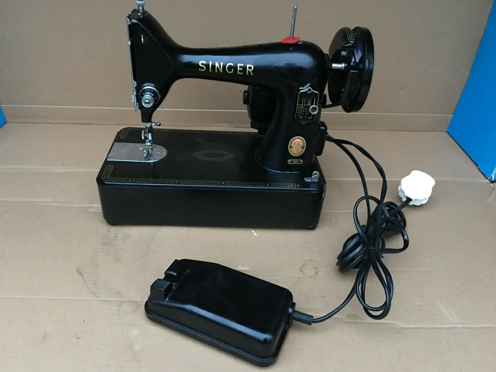 Singer Electric Baby 99K Sewing Machine, Vintage and collectable comes shown
