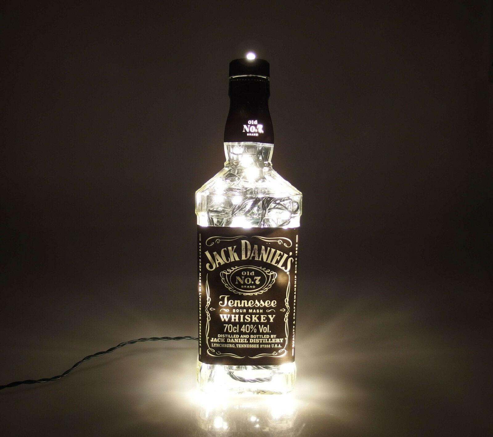 jack daniels flaschen lampe mit 80 leds 220v warm und. Black Bedroom Furniture Sets. Home Design Ideas