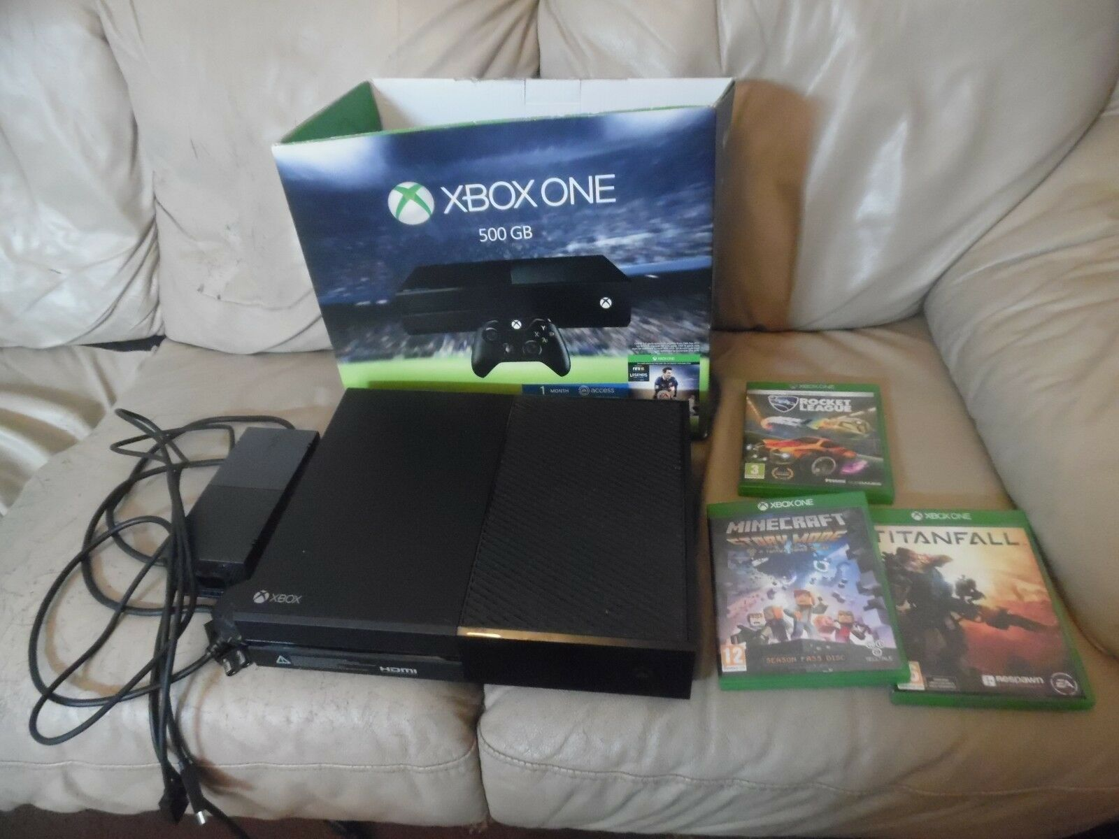 XBOX ONE 500GB Black Console With Wires And One Game No Rocket ...