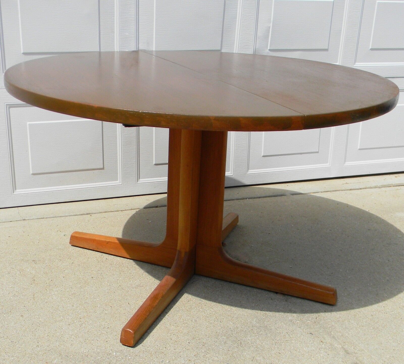 Mid Century Modern Skovby Furniture Round Danish Teak Dining Table (two  Leaves) 1 Of 8Only 1 Available Mid Century Modern Skovby Furniture ...