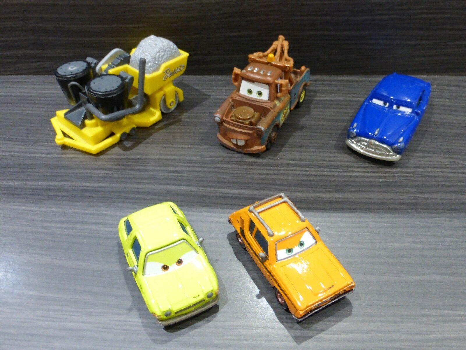 cars disney pixar lot de voitures lot 9 eur 16 00 picclick fr. Black Bedroom Furniture Sets. Home Design Ideas