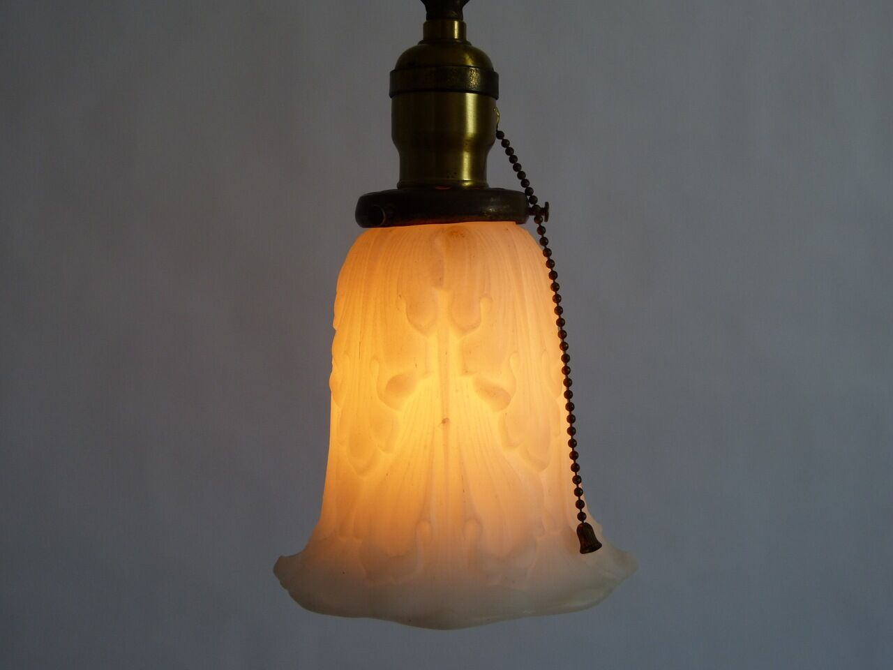 brass pendant light w cast glass acanthus leaf shade p s pull chain. Black Bedroom Furniture Sets. Home Design Ideas