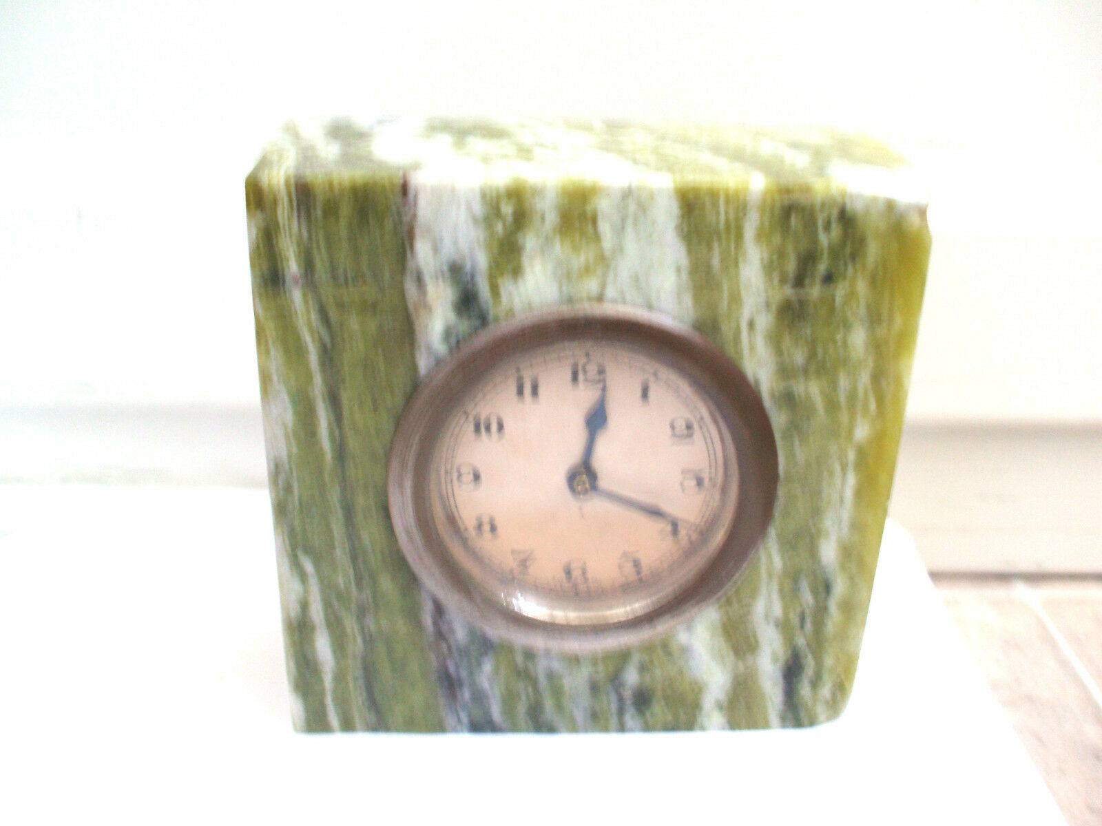 """Attractive Green Marble Case Winding Movement Mantle Clock in VGC  4""""H 4""""W 2""""D"""