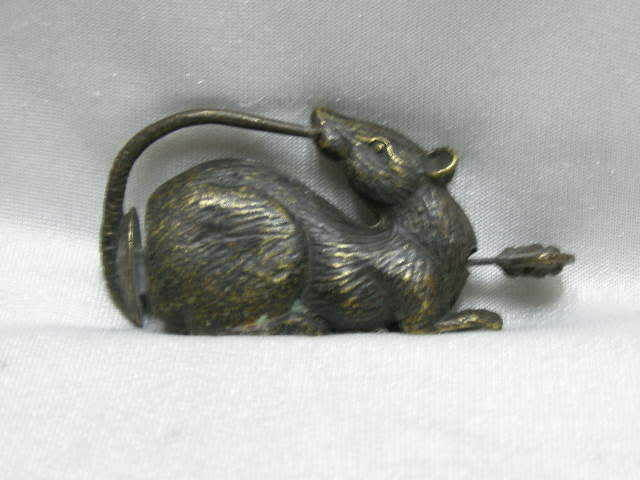 China's old bronze lucky mouse can use the lock and key NER039