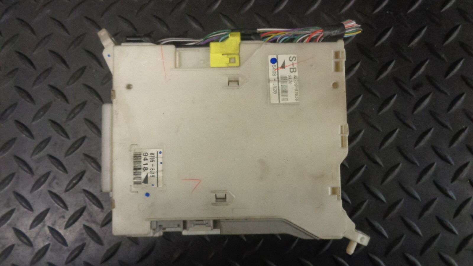 2006 Lexus Is 220D 2.2 Diesel Interior Fuse Box 82730-53050 1 of 2Only 1  available 2006 Lexus Is 220D ...