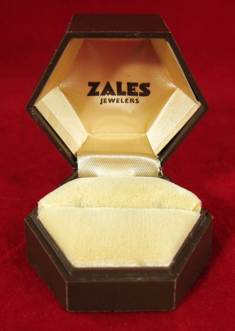 VINTAGE 1971 hexagon Ridged ZALES JEWELERS Ring Jewelry Box Empty