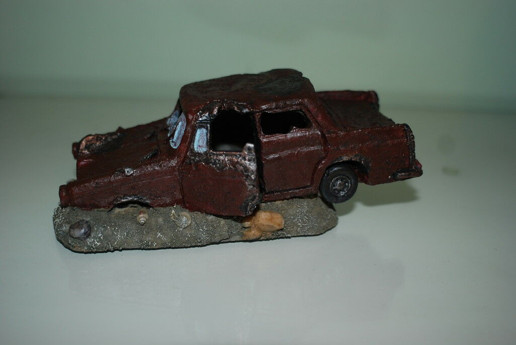 Aquarium Rusty Sudan Car Decoration With Bubble Exhaust 18.5 x 9 x 7 cms