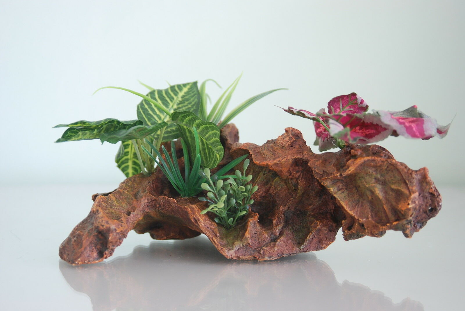 Large Gnarled Wood & Plants Decoration For  All Aquariums 20 cms