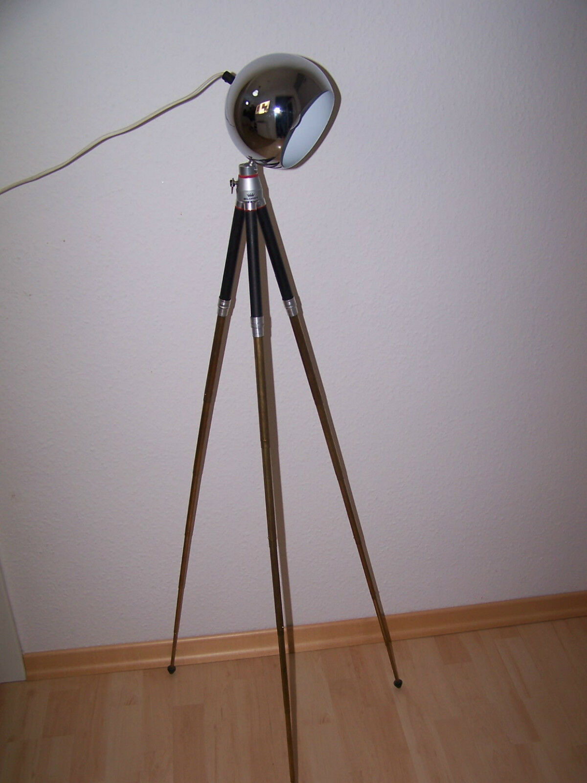 bauhaus stehlampe tripod stativ aus messing art deco. Black Bedroom Furniture Sets. Home Design Ideas