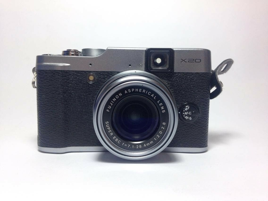 New DSLRs and Mirrorless Cameras Sport Retro Look and Feel