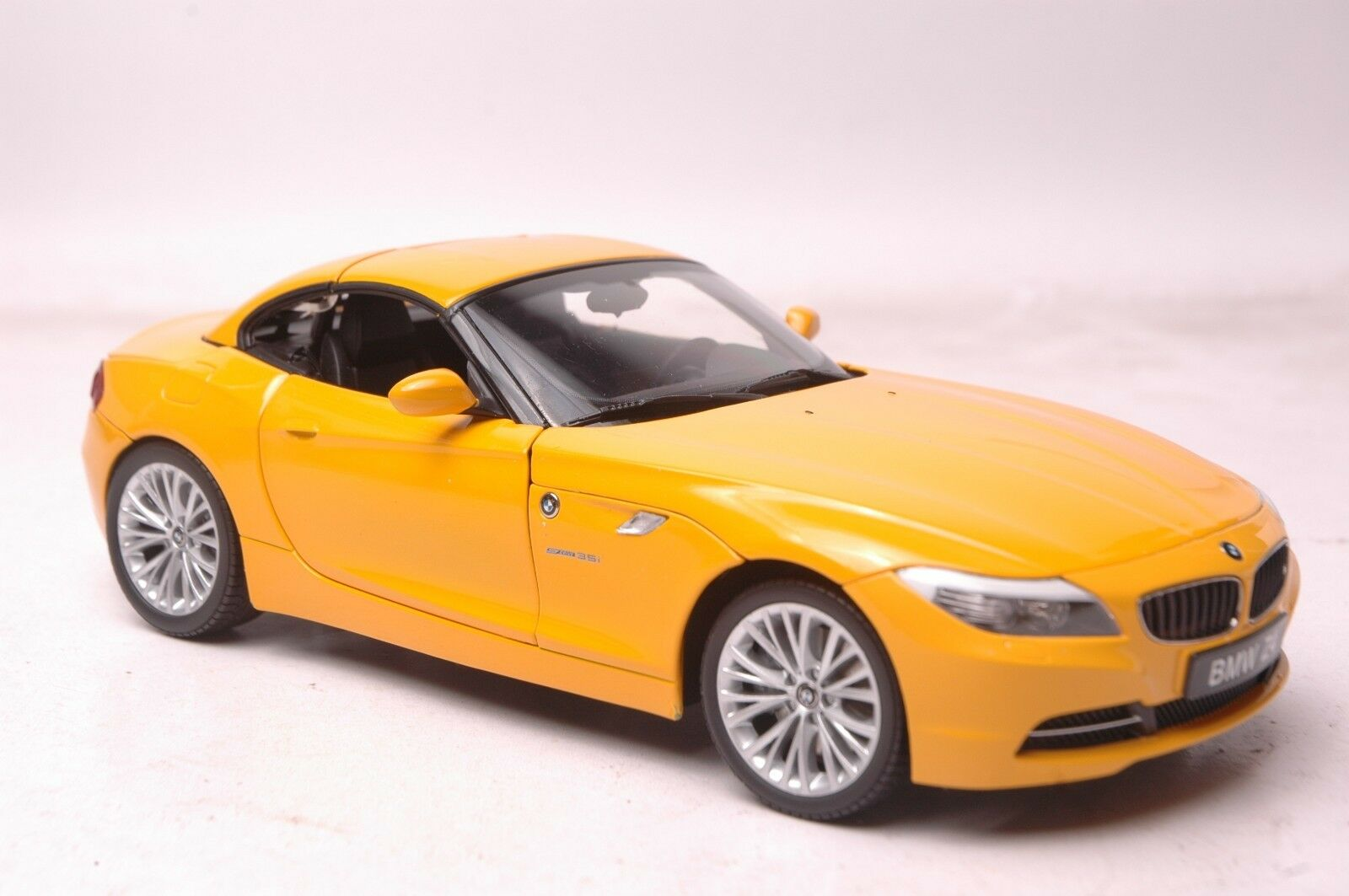 bmw z4 sdrive35i e89 car model in scale 1 18 yellow. Black Bedroom Furniture Sets. Home Design Ideas