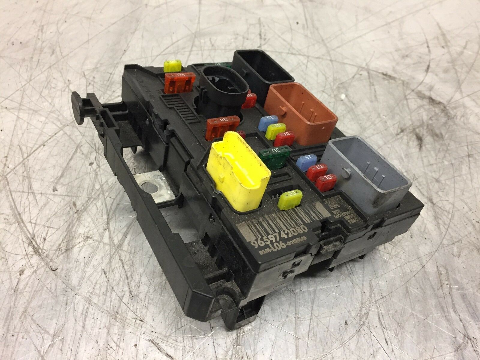 Peugeot Citroen Under Bonnet Fuse Box 9659742080 Bsm L06 00 90 Day 1 Of 2only Available