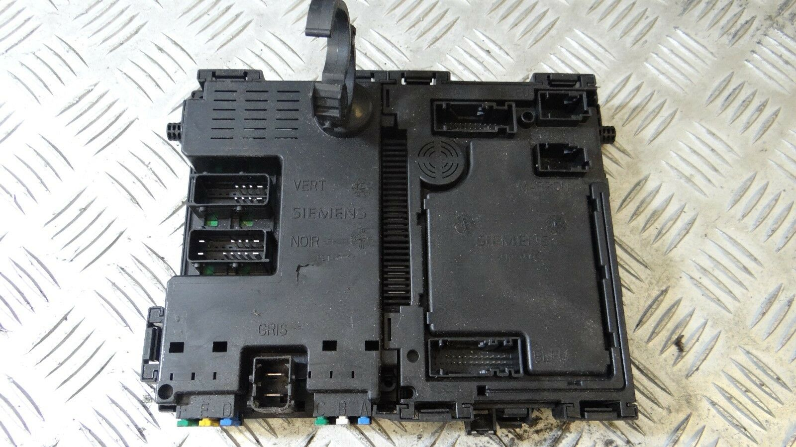 Bsi Module Interior Fuse Box Peugeot 206 98 09 S105872400 G 1999 9627137080 1 Of 3only Available