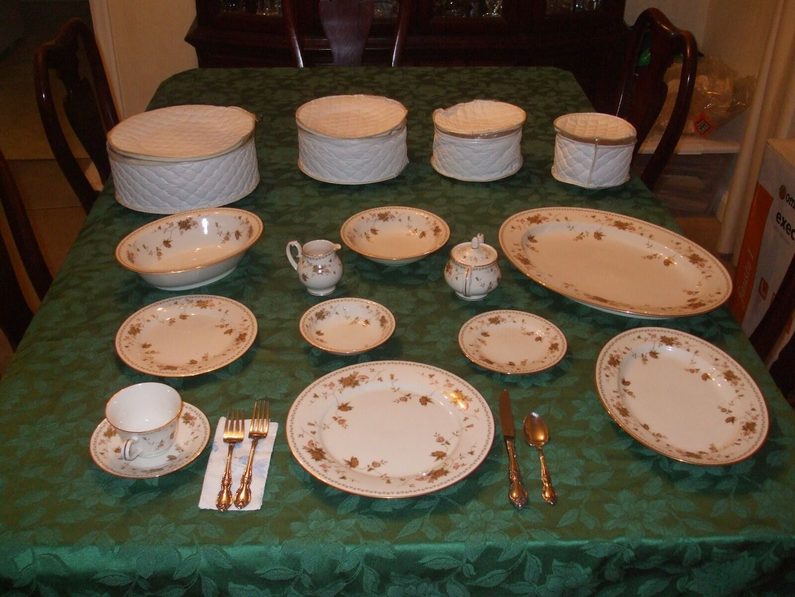 PRICE REDUCED! 88 Piece Noritake Fine China Dining Set For 12 With Gold Rim  1 Of 5 PRICE REDUCED! 88 Piece Noritake Fine China Dining Set ...