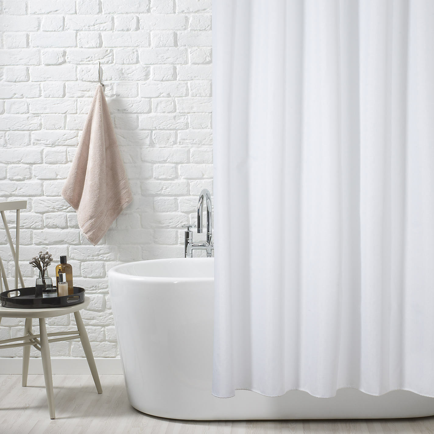 180 X 210cm WHITE POLYESTER SHOWER CURTAIN STANDARD SIZE