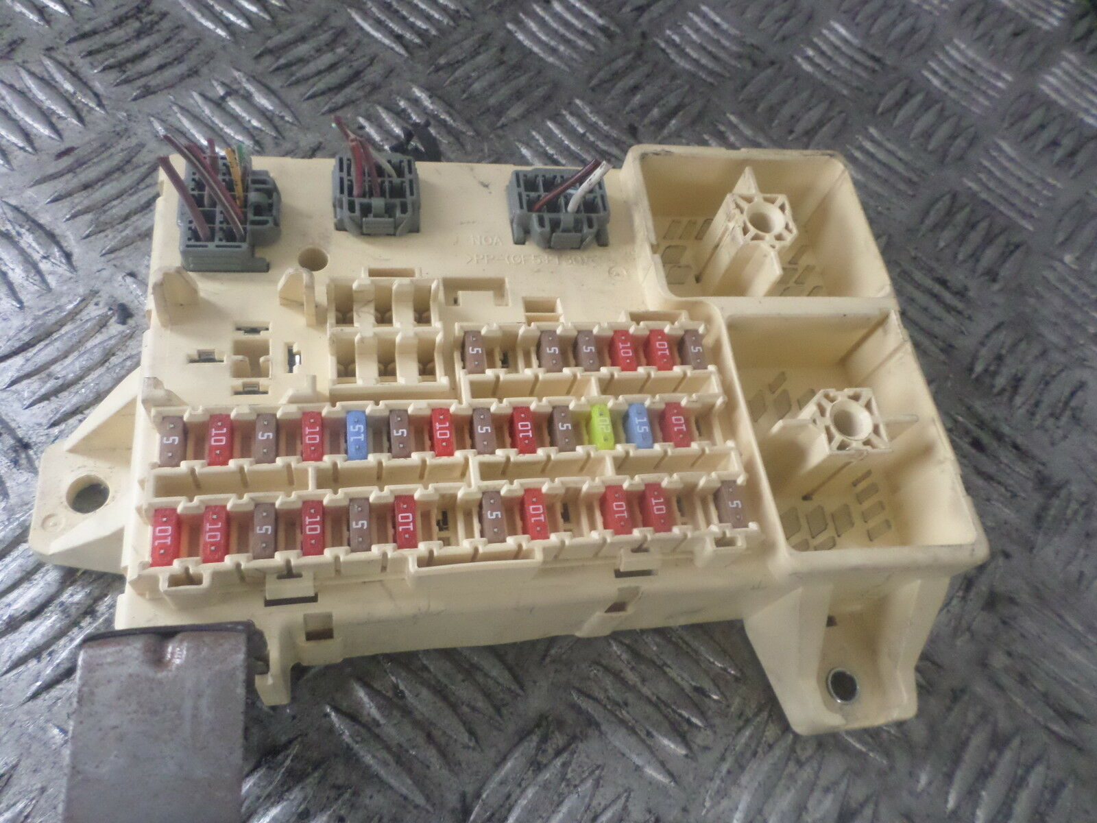 2008 Jaguar S Type 27 Diesel Interior Fuse Box 6r8t 14a067 Aa 1 Of 2only Available