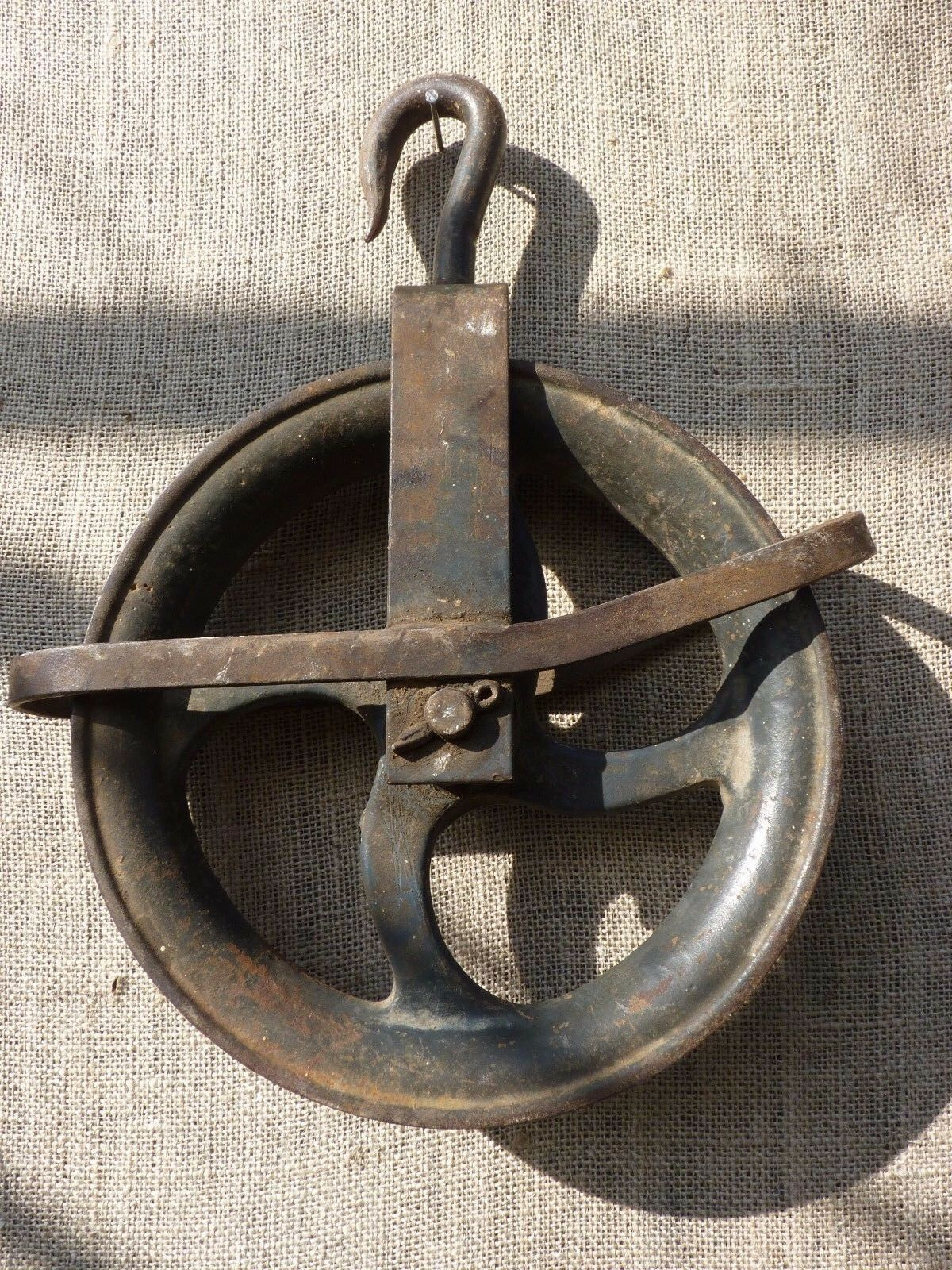 """Old well heavy iron vintage barn rustic primitive Industrial Pulley 10"""" Wheel"""