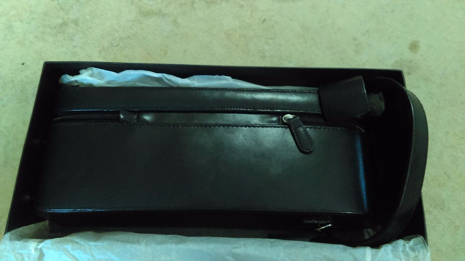 Wine Bottle Leather Black Carry Case In box