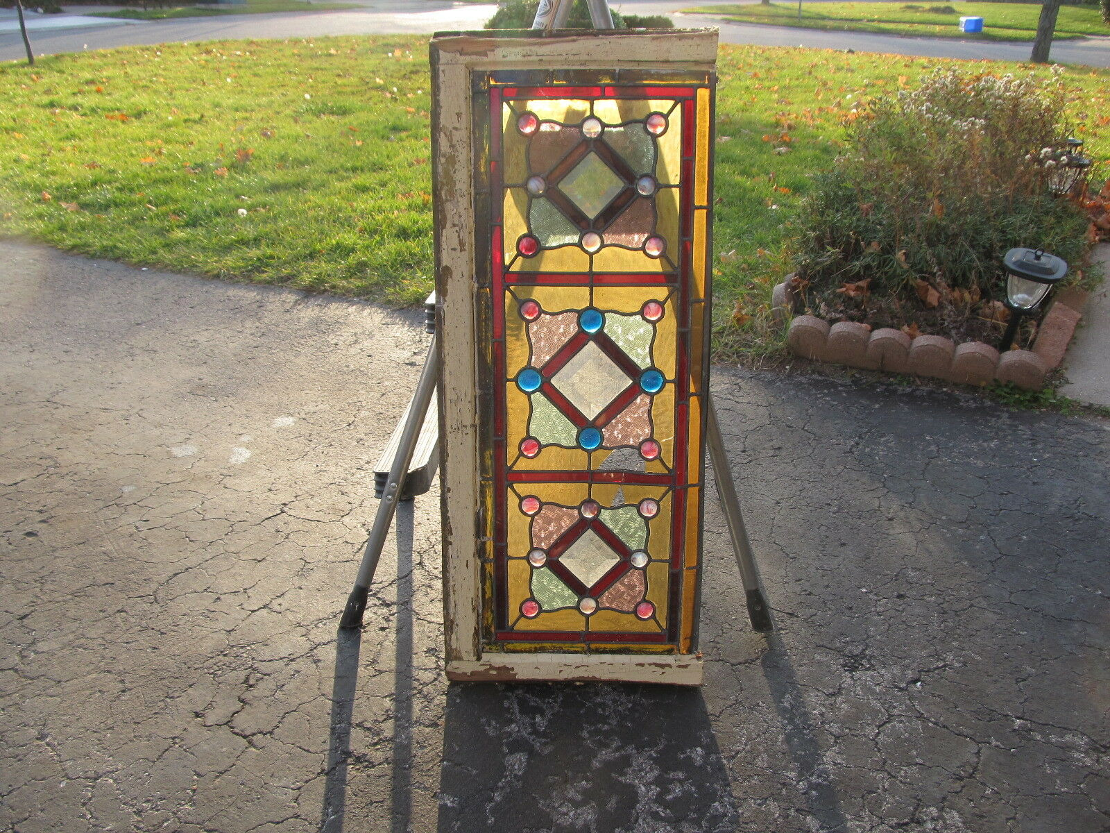 Antique stained glass window (ref 553)