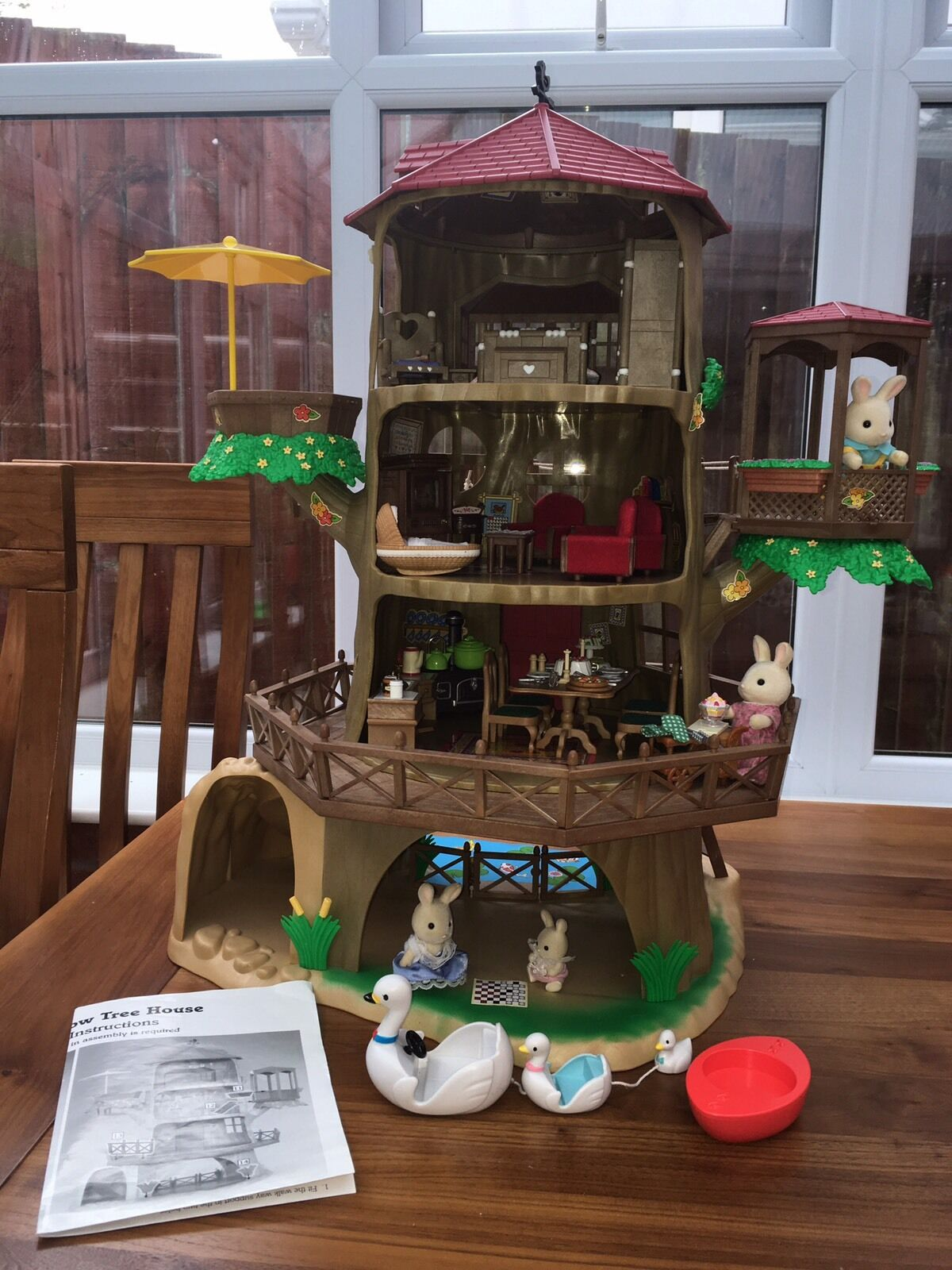 Sylvanian Families Treehouse Furniture With Rabbit Family