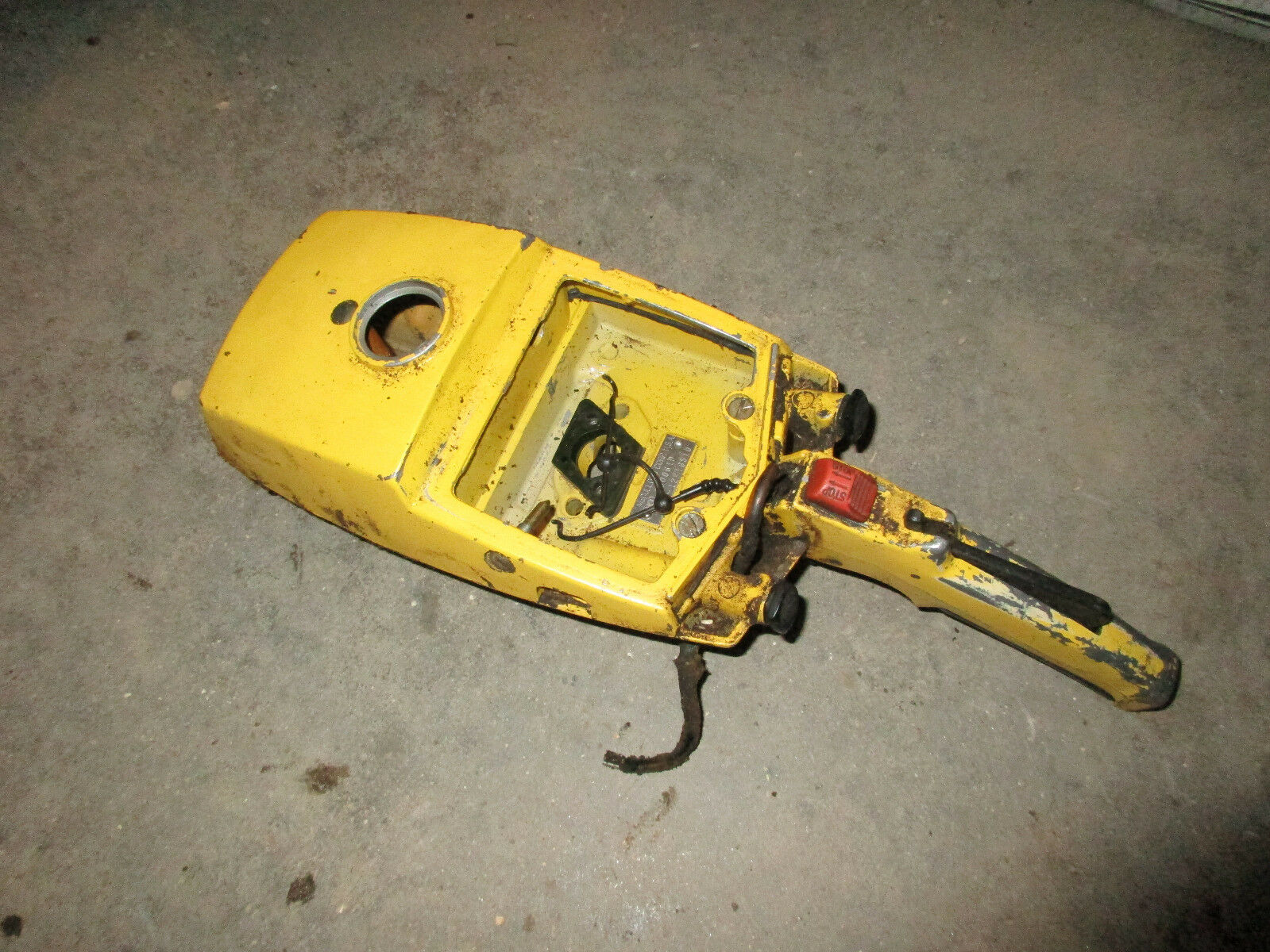 McCulloch Pro Mac 10-10 555 10-10A 700 10-10S Chainsaw Gas 1 of 6 See More