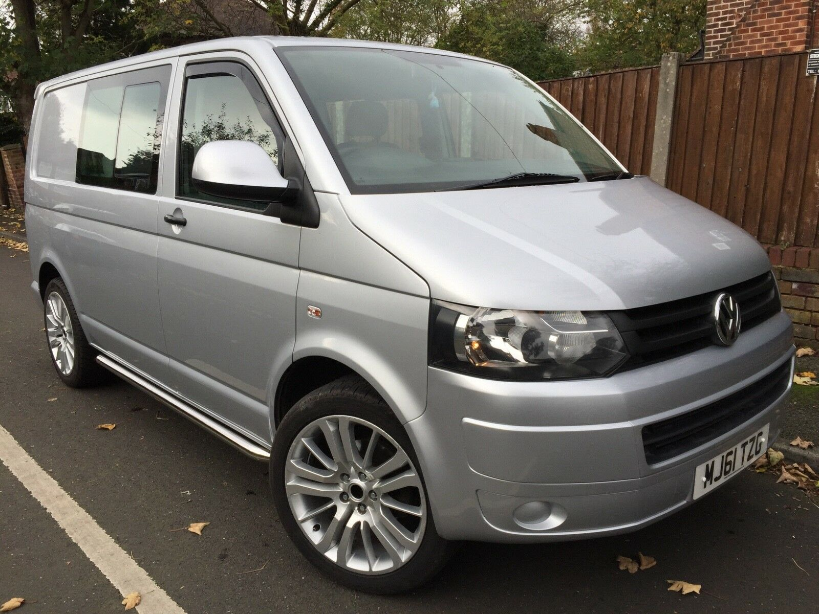 volkswagen transporter kombi t5 1 t32 2 0 tdi 2011 no vat manchester no vat fsh 9. Black Bedroom Furniture Sets. Home Design Ideas