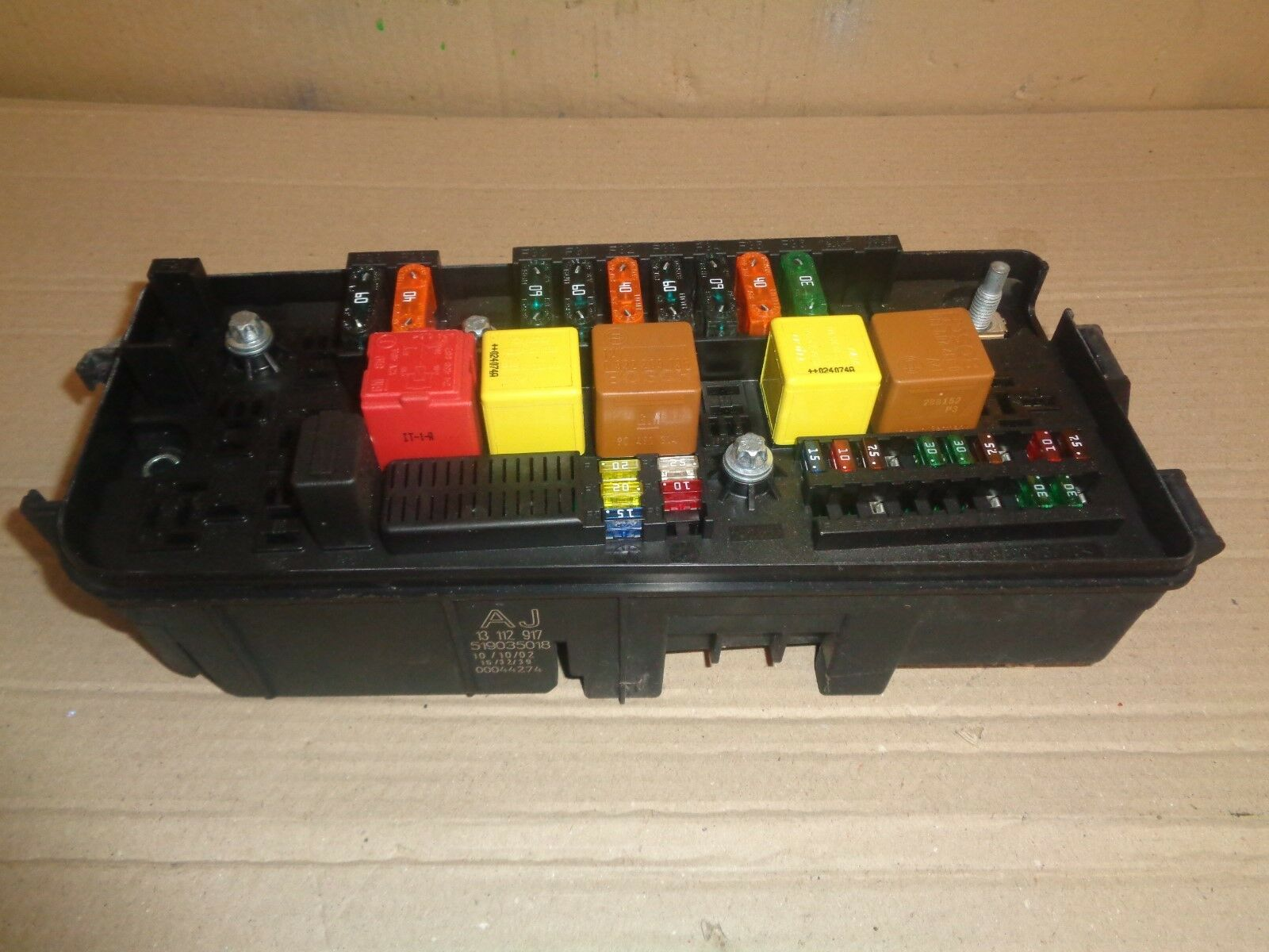 Vauxhall Vectra C 2003 18 Petrol Bcm Body Control Module Under Fuse Box Astra Gsi 1 Of 5only Available