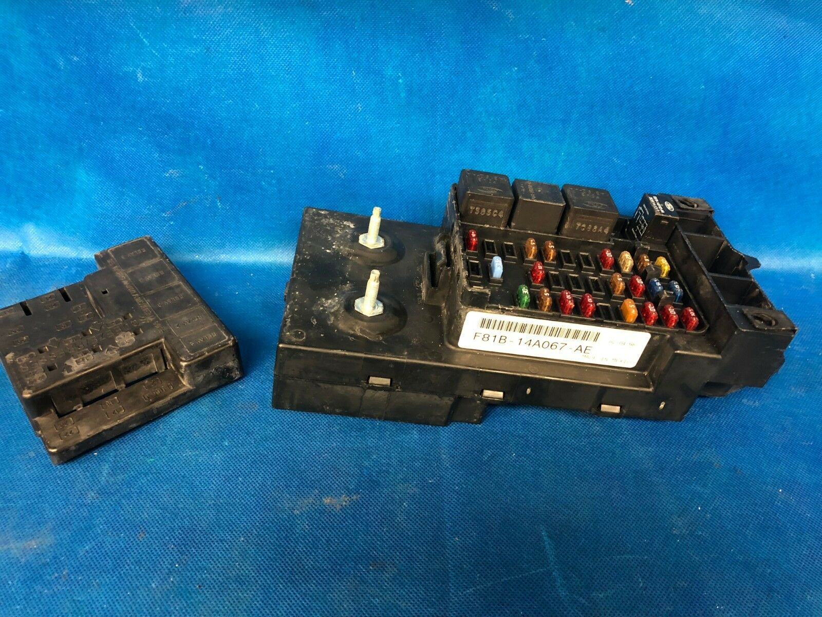 99 1999 Ford F250 F350 Interior Dash Fuse Box Relay Fusebox F81b 1 Of 12only Available