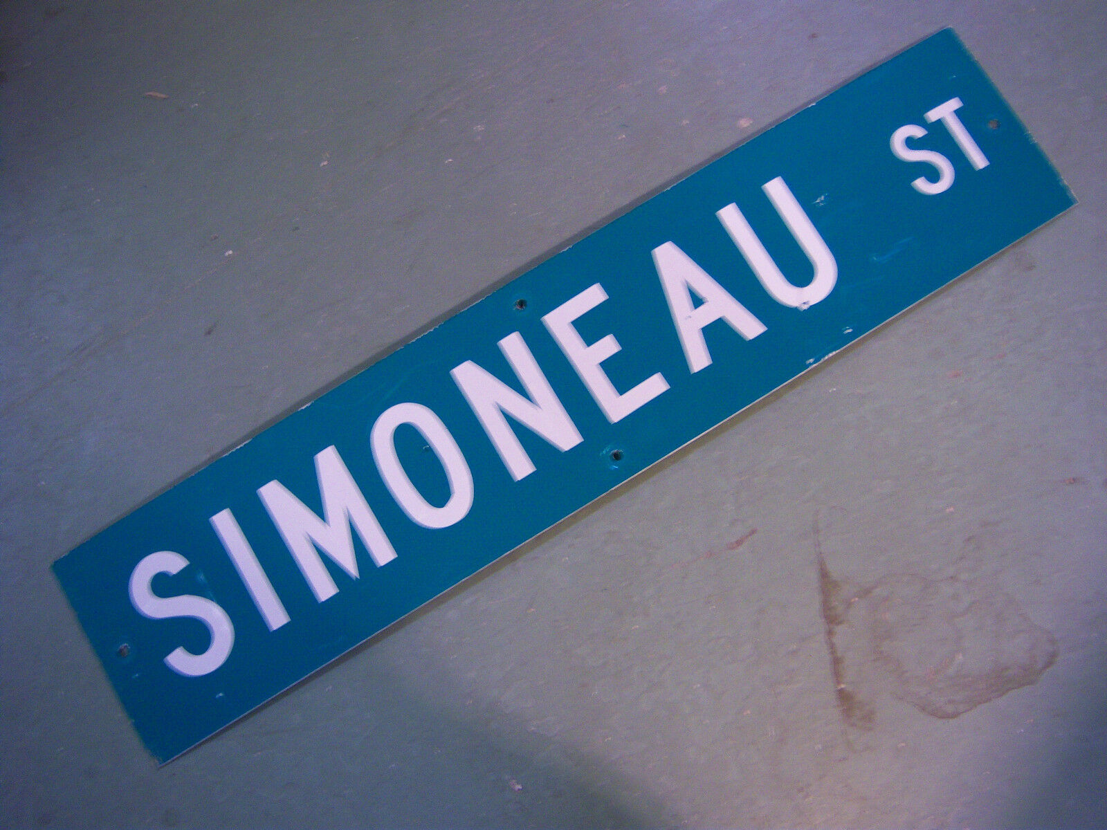 Vintage ORIGINAL SIMONEAU ST STREET SIGN WHITE LETTERING ON GREEN BACKGROUND