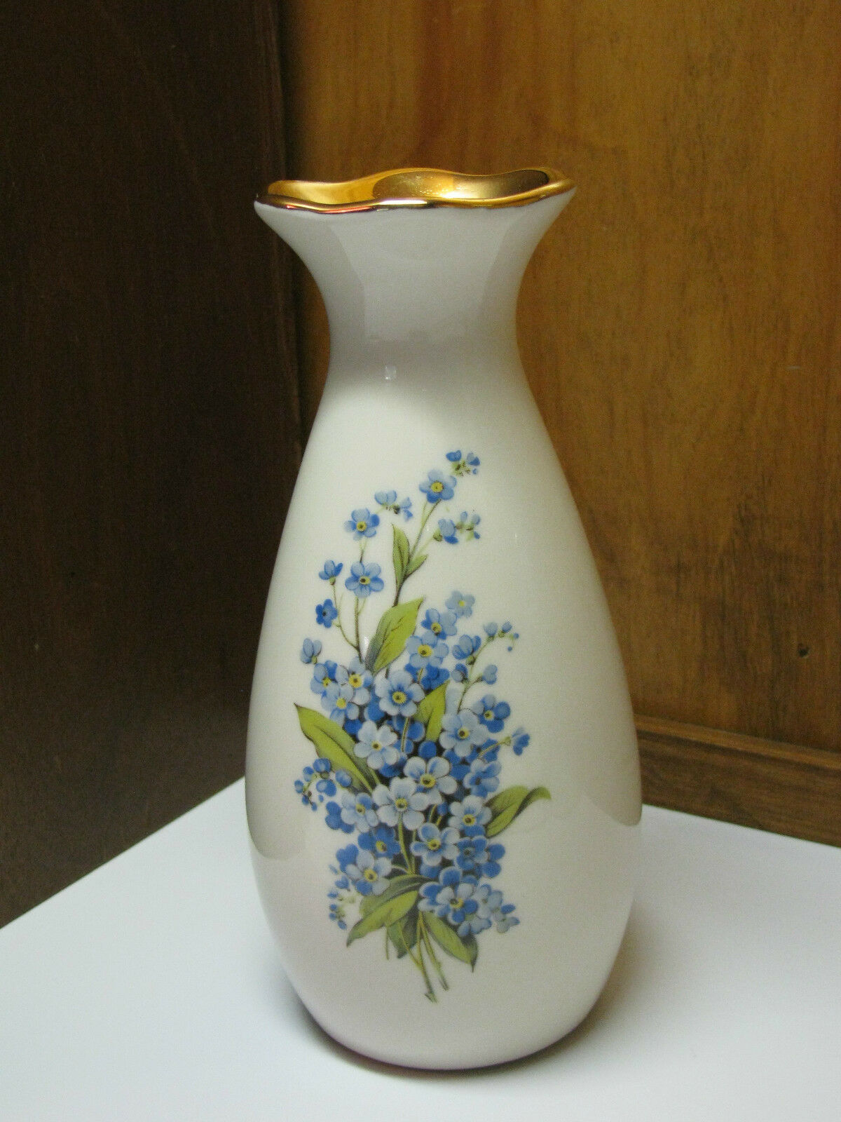 VINTAGE BEL TERR CHINA Blue FLOWER VASE 22 kt GOLD Made