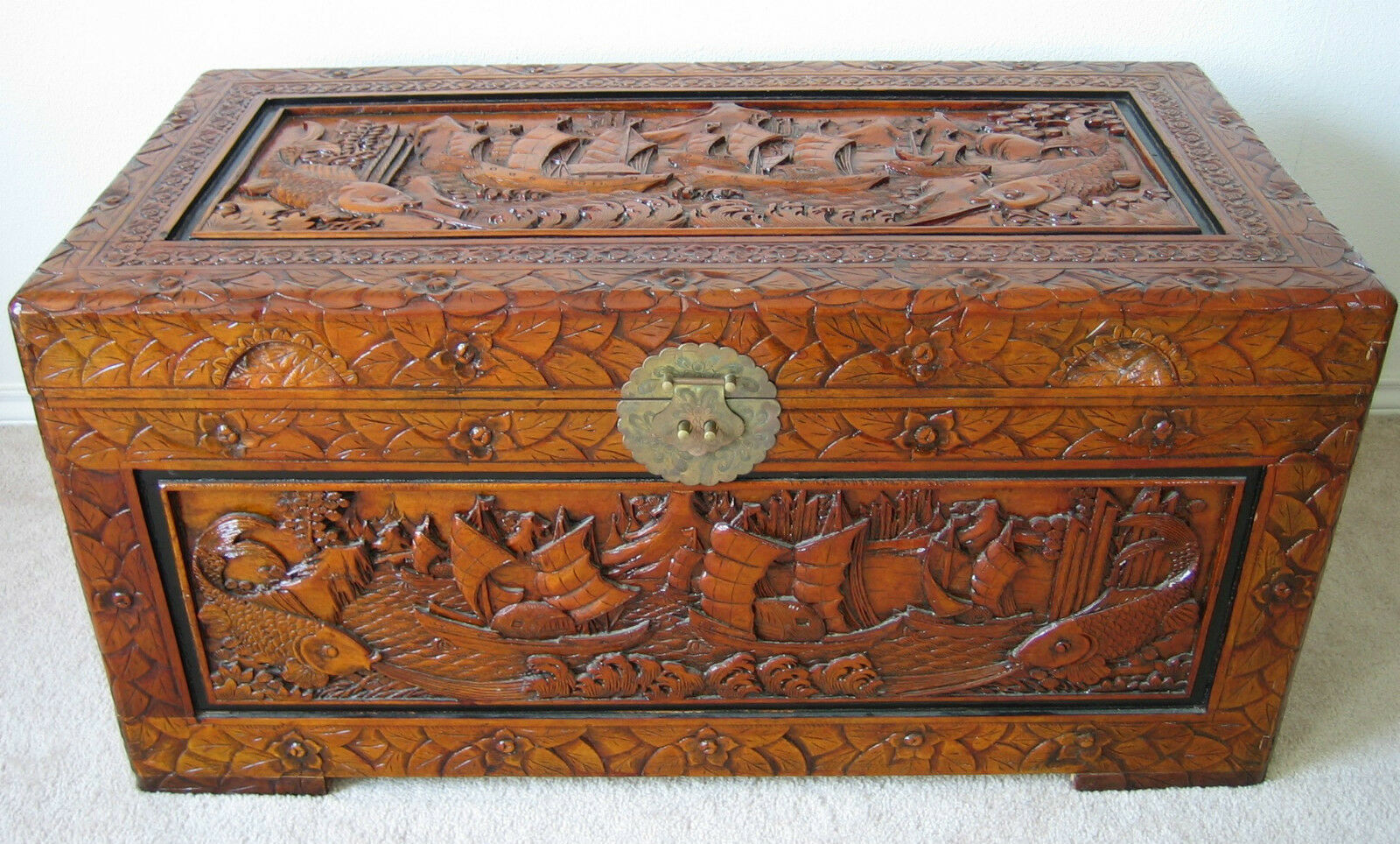 Hand carved large chinese camphor wood trunk blanket chest for Wood in chinese