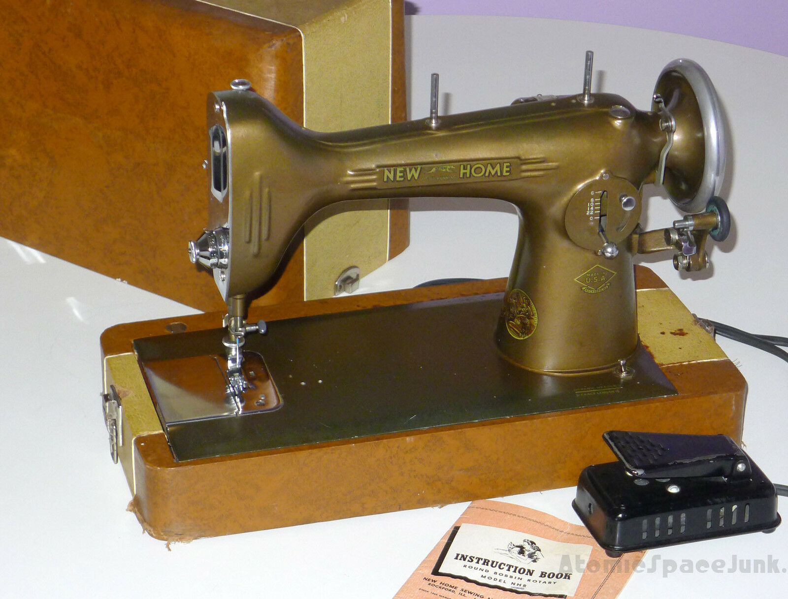 VINTAGE NEW HOME SEWING MACHINE LIGHT-RUNNING MODEL NLB 1940s CASE PEDAL  MANUAL 1 of 1Only 1 available See More