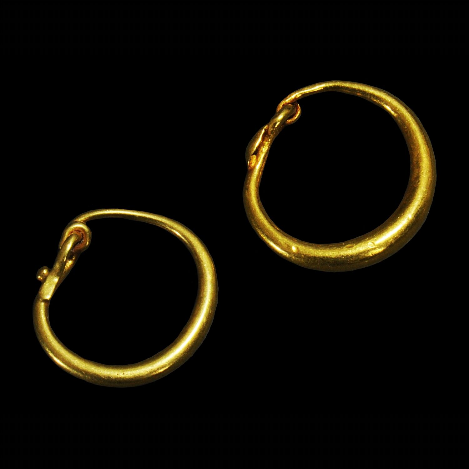 Aphrodite- A Pair Of Ancient Roman Gold Earrings
