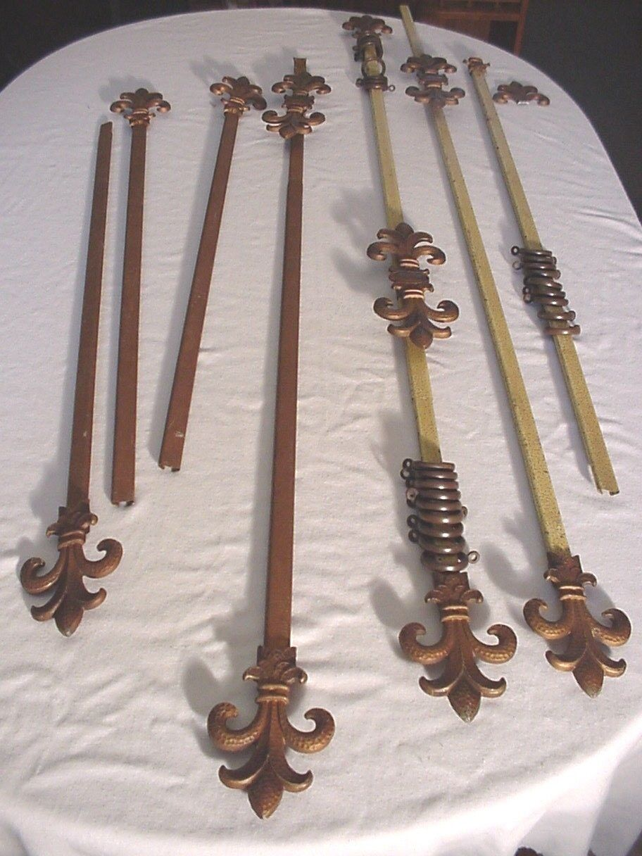 4 Antique Vtg Art Deco Curtain Rods with Center and End Finials Flue-de-lis