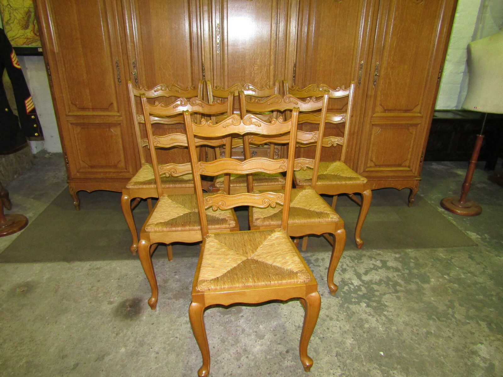 Set 6 vintage oak French Louis xv style carved dining chairs in good condition