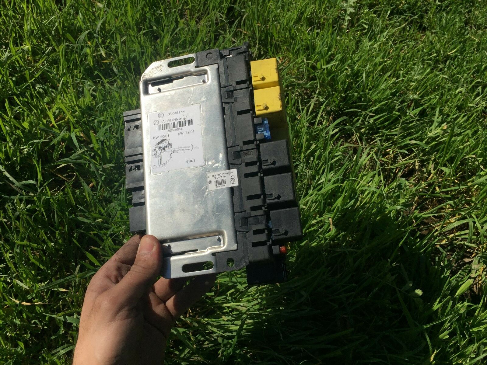 Mercedes Benz W220 S500 S600 S430 S55 S280 S350 Fuse Relay Sam Box 2000 Home 1 Of 4only Available