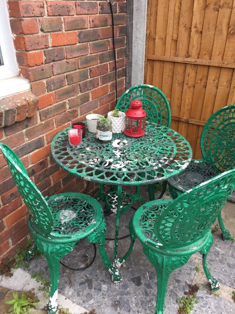 Metal garden bistro style patio furniture 4 chairs and for Metal patio table and 4 chairs