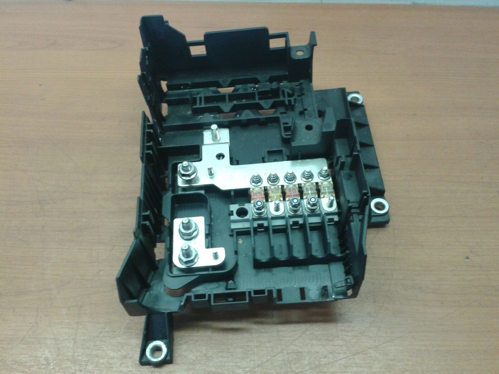 Genuine Audi Q7 4l Fuse Box Engine Compartment 7l0937548c Vw Touareg Location 1 Of 1only Available See More