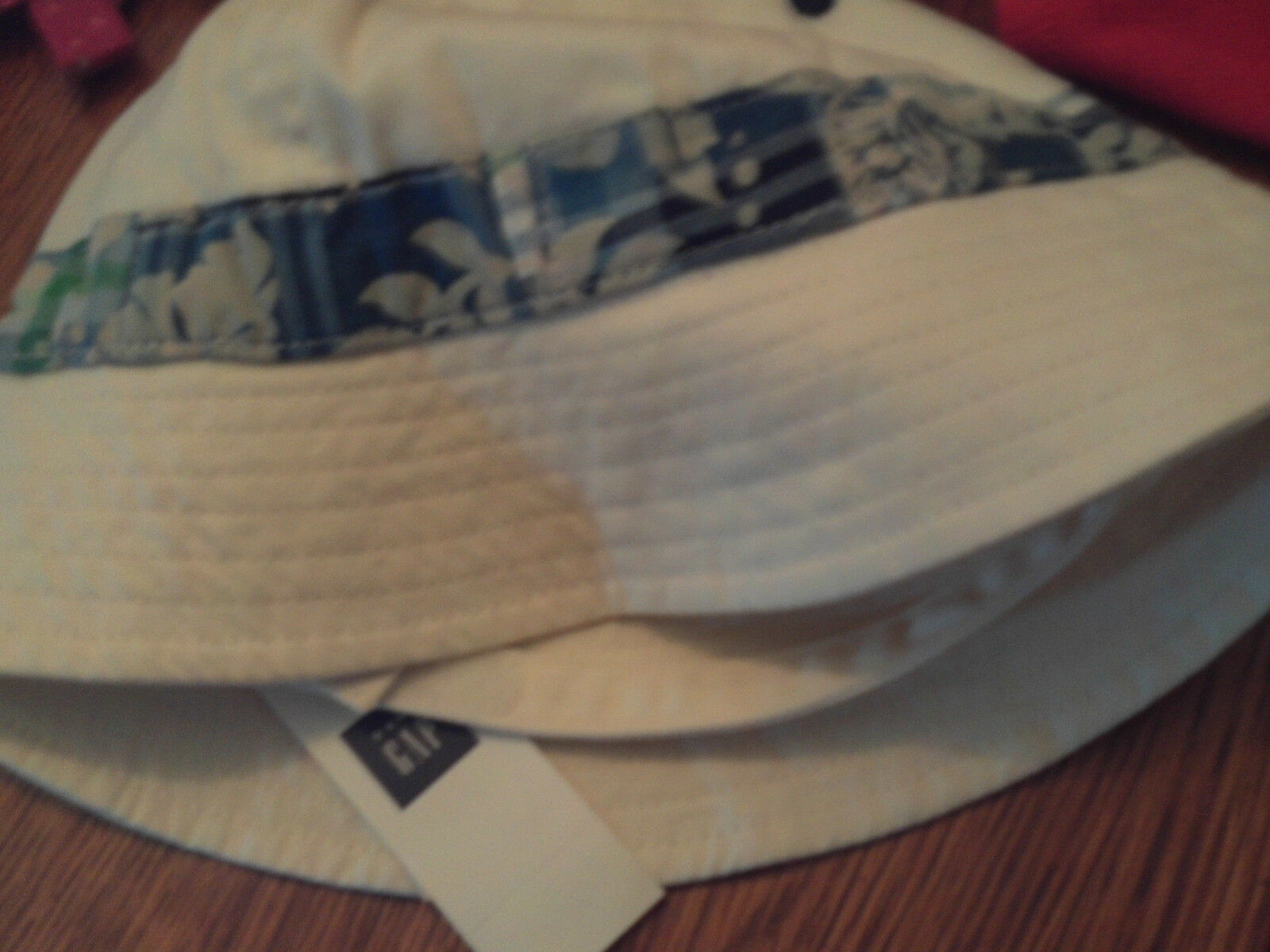 NWT baby Gap boy white bucket hat w blue floral ring above brim  size 0-6m  1 of 2Only 1 available ... 3475d6b61dc